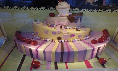 Муляж торта из пенопласта