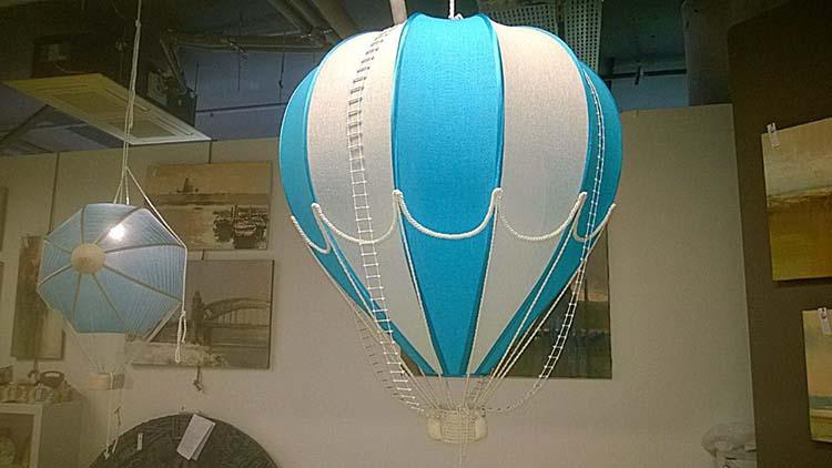 Воздушные шары из пенопласта с корзиной