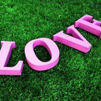 Буквы из пенопласта LOVE для фотосессии
