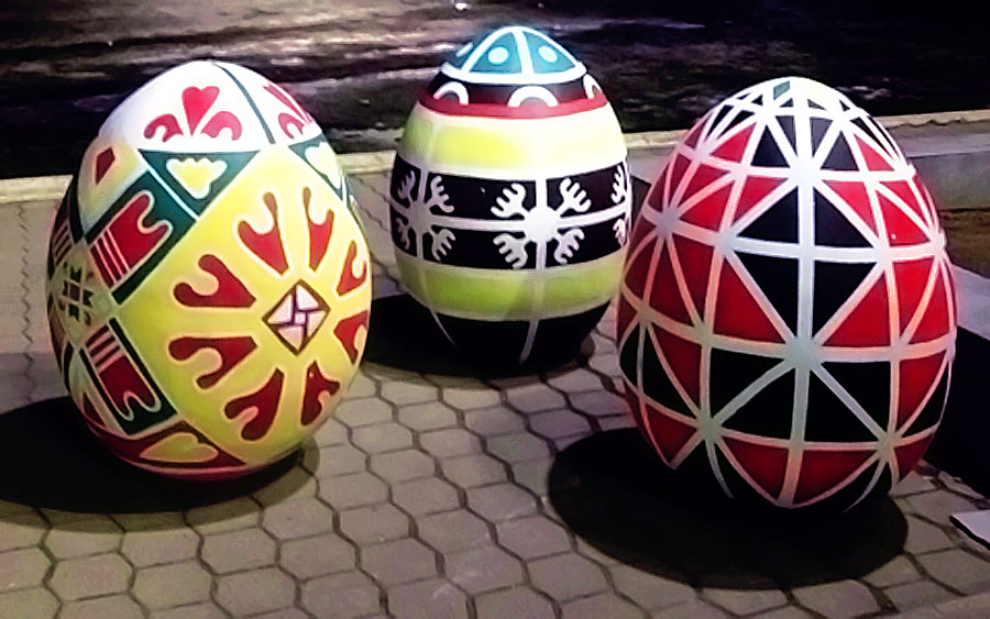 Яйца из пенопласта