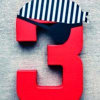 Цифра 3 в пиратском стиле