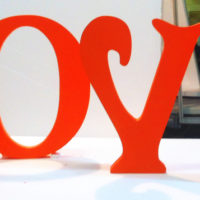 Надпись из пенопласта красная LOVE