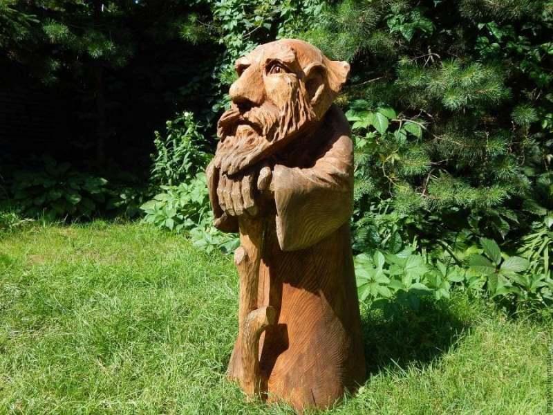 Скульптура из дерева. Старик