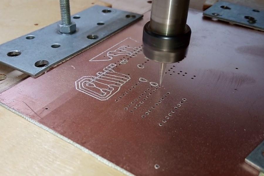 ЧПУ-фрезеровка печатной платы из текстолита