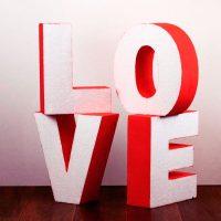 Слово Love на свадьбу