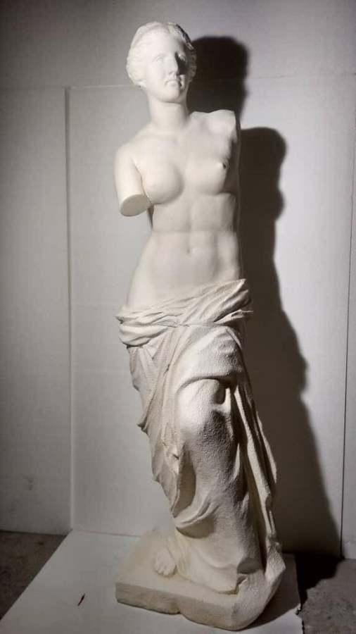 Венера. Парковая скульптура из пенопласта