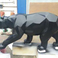 Полигональный медведь из пенопласта