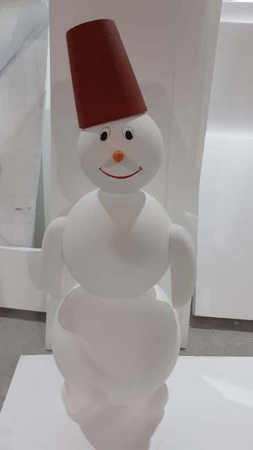 Снеговик из пенопласта (пенополистирола)