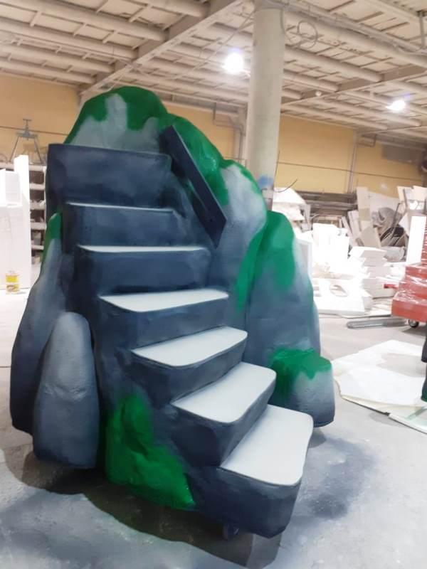 Сценические декорации. Лестница